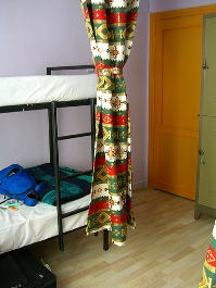 england hostel room